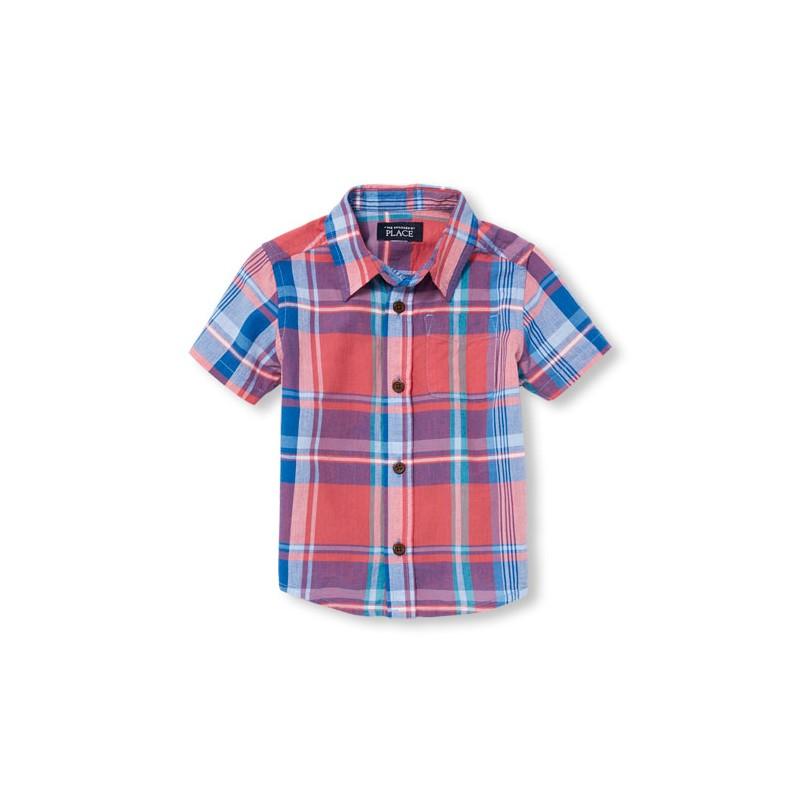 37474f4e8eb Que tu niño se vea elegante y se sienta cómodo para jugar con esta linda  camisa de la marca The Children s Place