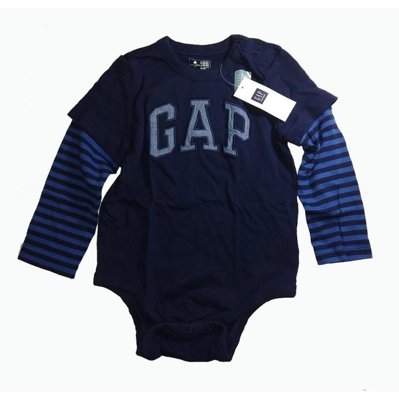 d8a51d4a43 Que tu bebé este abrigado y feliz con este lindo enterizo de la marca Baby  GAP hecho en algodón de punto suave.